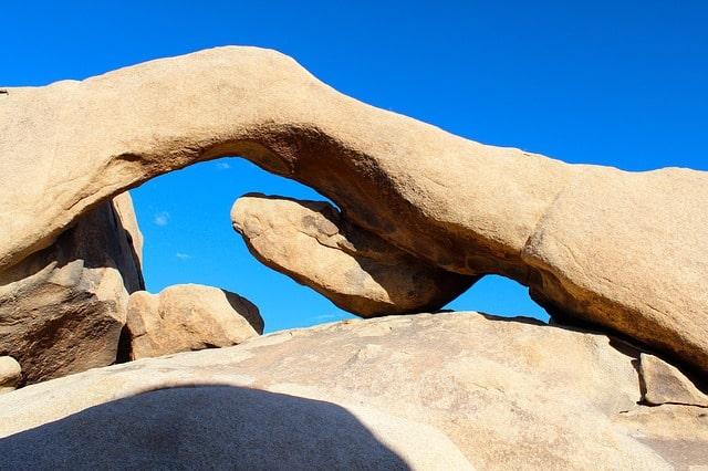 Rock Arch hiking joshua tree