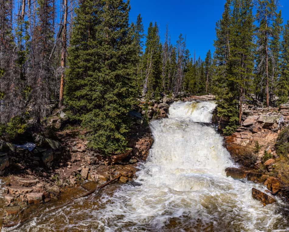 hikes in Utah with waterfalls
