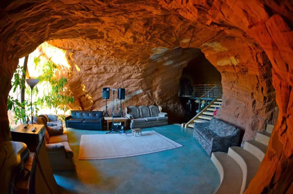 Best Airbnb in Utah - a cave by Escalante!